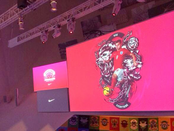 You are at: Events > 2014 > NIKE Hypersense The Art and Science of Modern  Football Press and Media Presentation